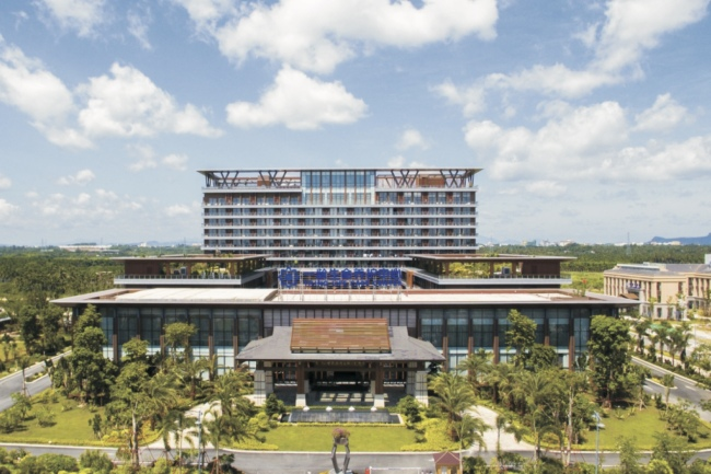 A photo taken on March 25th, 2018 shows the newly-built building of the Yiling Life Care Center in the Bo'ao Lecheng International Medical Tourism Pilot Zone, Qionghai, Hainan. [Photo: ChinaPlus/Ge Anna]