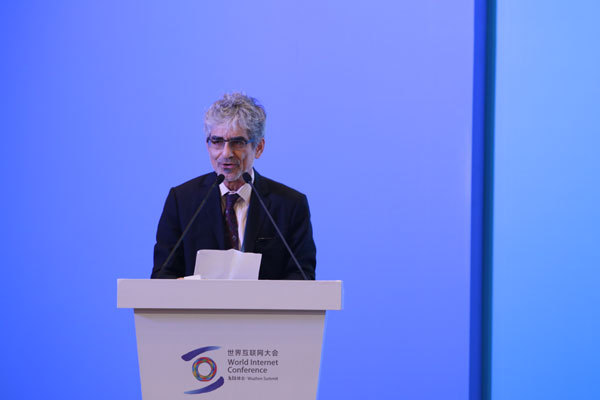 """John Hoffman, CEO of the Groupe Speciale Mobile Association (GSMA), speaks at the forum on """"Media Transformation and Communication Innovation"""" held on the sidelines of the fifth World Internet Conference in Wuzhen, Zhejiang Province, on November 8th, 2018. [Photo: China Plus]"""