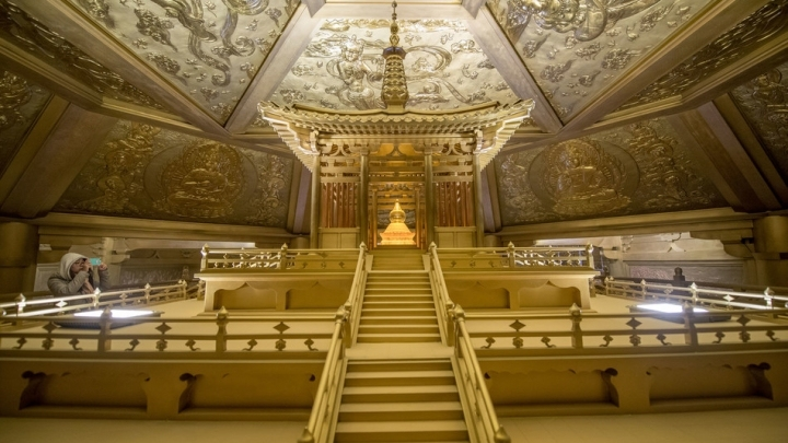 Buddhism Pure Copper Palace Shines Bright Again
