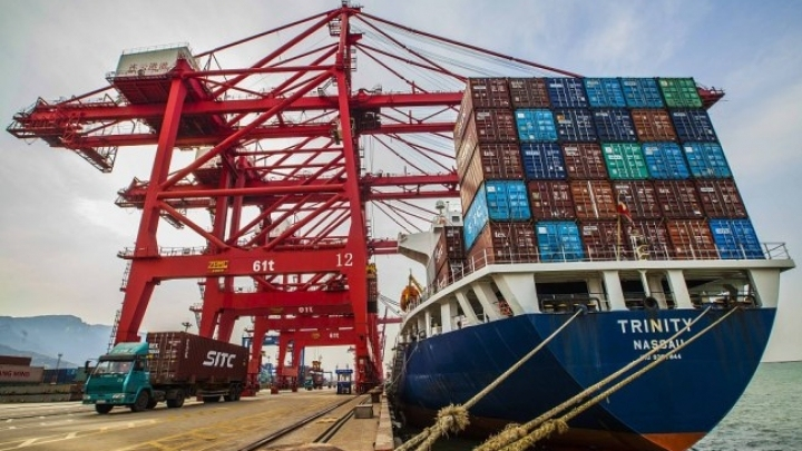 China's imports to surpass 2 trln USD in 2018: official