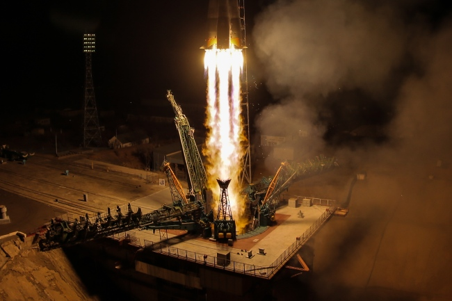 A Soyuz-FG rocket booster carrying the Soyuz MS-12 spacecraft with Roscosmos cosmonaut Alexei Ovchinin, NASA astronauts Nick Hague and Christina H. Koch of the ISS Expedition 59/60 prime crew aboard lifts off to the International Space Station (ISS) from the Baikonur Cosmodrome, March 14, 2019. [Photo: IC]