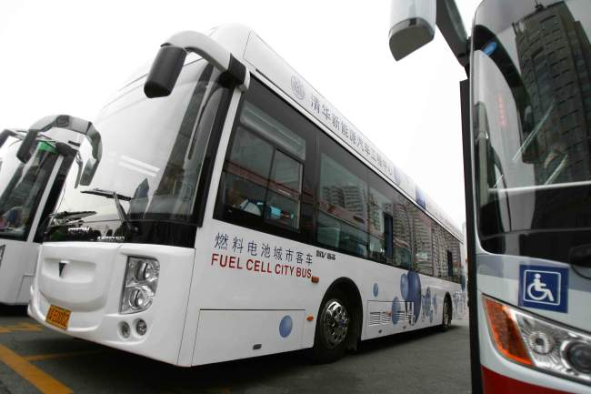 Fuel cell electric buses in 2008 [Photo: from IC]