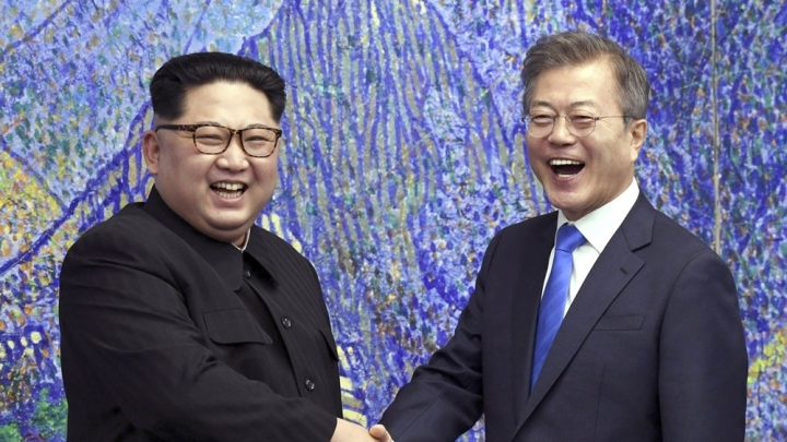 S.Korean president says to prepare, push for summit with DPRK leader