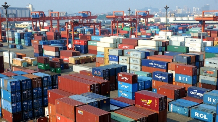 China's foreign trade up 4.3 pct in first four months