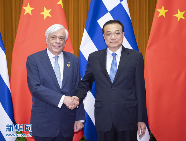 Chinese Premier Li Keqiang meets with Greek President Prokopis Pavlopoulos in Beijing, May 15, 2019. [Photo: Xinhua]
