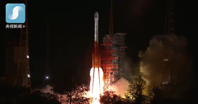 A new satellite of China's BeiDou Navigation Satellite System (BDS) is launched by a Long March-3C carrier rocket from the Xichang Satellite Launch Center in Sichuan Province at 11:48 p.m. Friday, May 17, 2019. [Screenshot: CCTV]