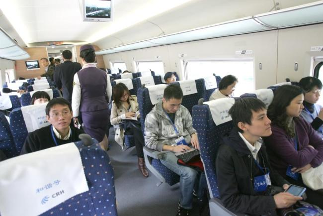 The high-speed train offers comfort, cleanliness and efficiency to passengers compared with a traditional train. [Photo: dfic.cn]