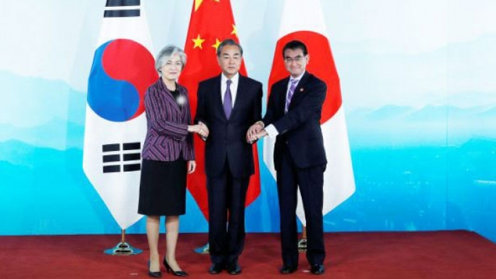 China, ROK, Japan vow to further enhance mutual trust