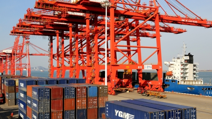 China's foreign trade up 2.8 pct in first three quarters
